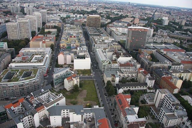 Berlin erkunden mit Mietwagen